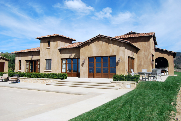 Tuscan style in the malibu hills ancient materials for for Contemporary tuscan homes